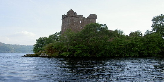 640px Urquhart Castle von Loch Ness