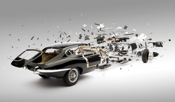 Disintegrating Jaguar E Type 560x326