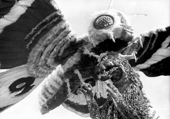 Mothra vs. Godzilla fight 560x393