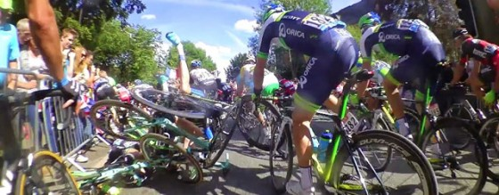Tour de France Crash 560x218