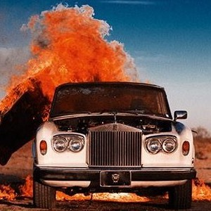 Rolls-Royce Silver Shadow Set On Fire