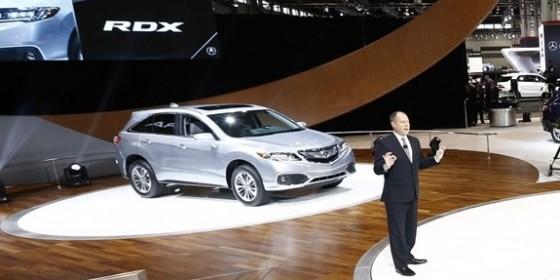 2015 Chicago Auto Show 02 560x280