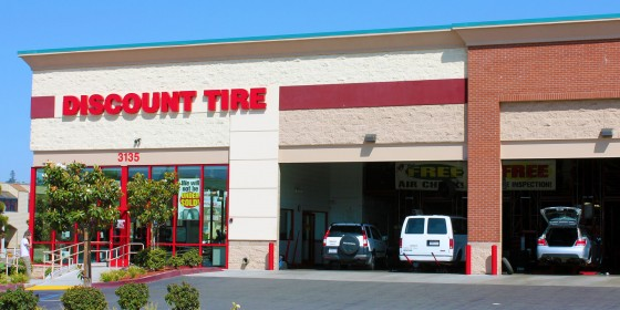Discount Tire 560x280