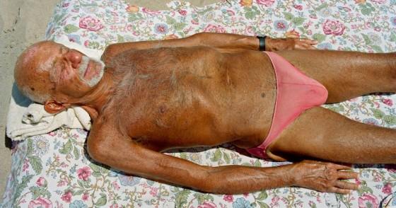Pink Bikini 20081 e1435635350436 560x294