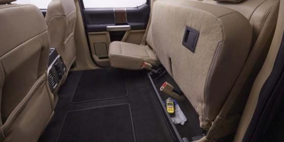 Rear Seat 560x280