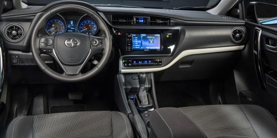 Scion iM Interior 560x280