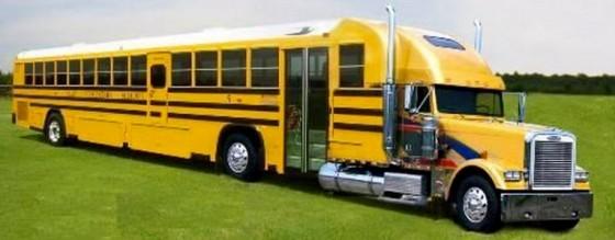 School Bus Pimped 4 560x219
