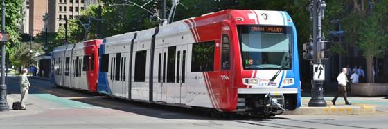 Train 560x187