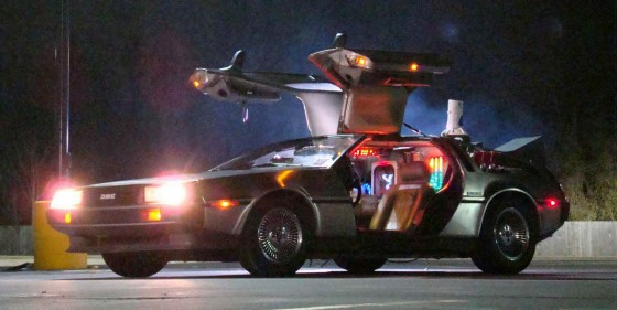 Delorean Time Machine 560x281