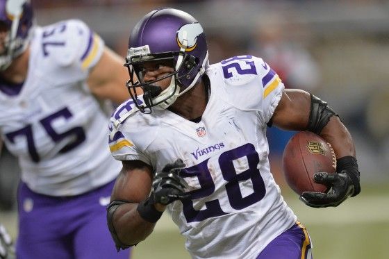 adrian peterson 560x373