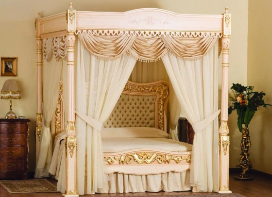 Baldacchino Supreme Gold Bed 560x406