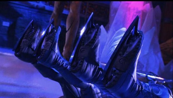 Bat Ice Skates 560x319