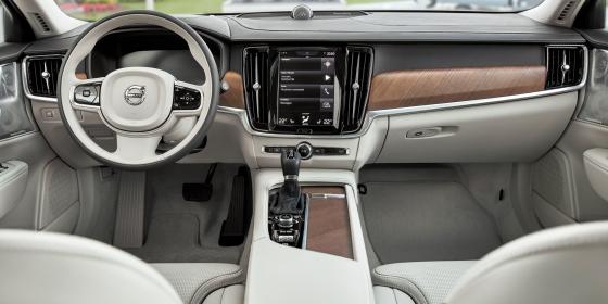 2017 Volvo S90 Interior 1 560x280