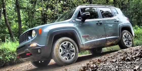 2016 Jeep Renegade 3 560x280