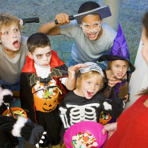 Five Easy Trick-or-Treat Safety Tips