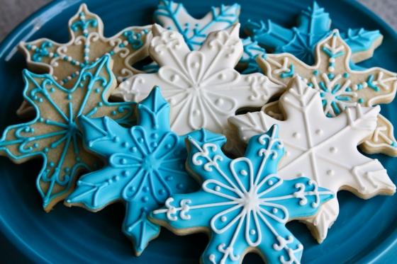 00198 01 snowflakesugarcookies 560x373