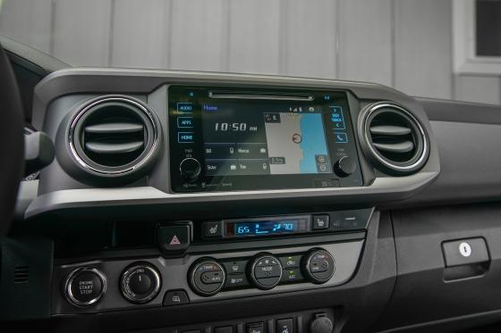 2017 Toyota Tacoma TRD Pro 18 29F3A9BDF66B84743C4E20B3363340FFCA218118 560x373