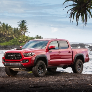 2017 Toyota Tacoma TRD Pro : Off-Roading in Hawaii