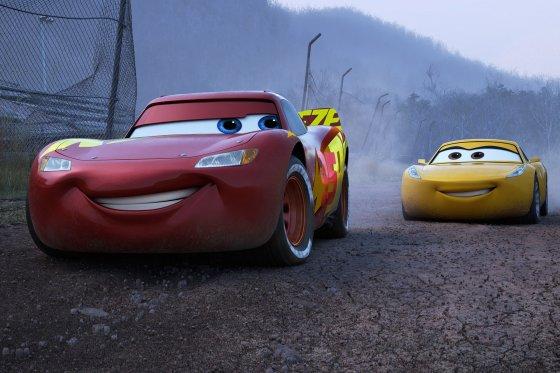Cars 2 560x373