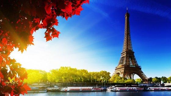 Paris France 560x315