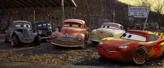 cars 3 docs friends 560x234
