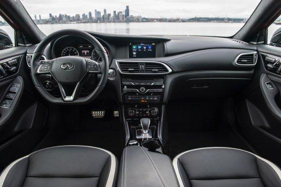 2017 Infiniti QX30S Interior 1 560x373