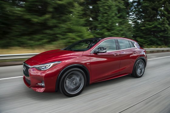 2017 Infiniti QX30S Performance2 1 560x373