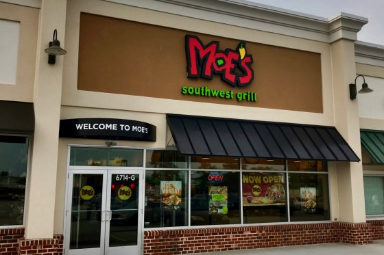 Moes Southwest Grill 2 560x373