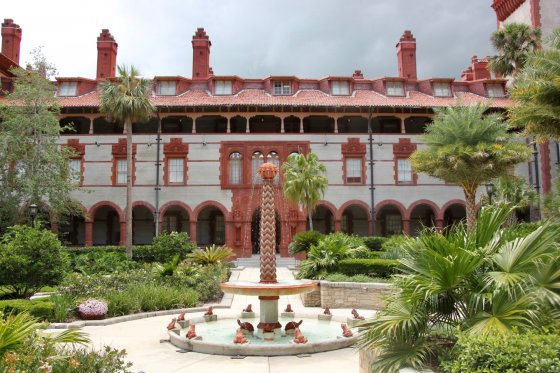 Ponce de Leon Hotel 1 560x373
