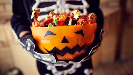 halloween candy 560x315