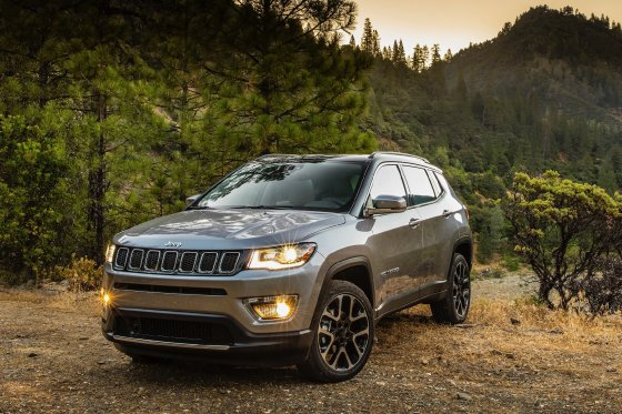 2017 Jeep Compass Front 1 560x373