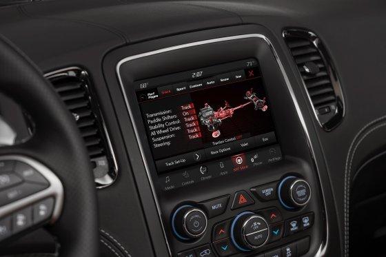 2018 Dodge Durango SRT Performance 3 560x373