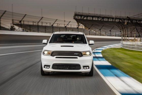 2018 Dodge Durango SRT Performance 4 560x373