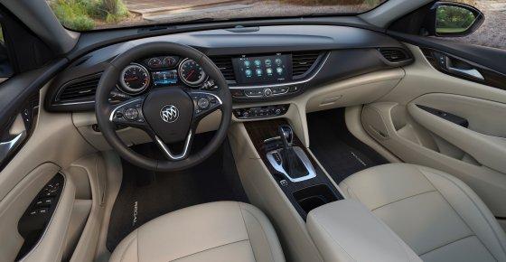 2018 Buick Regal Sportback Interior 1 560x290