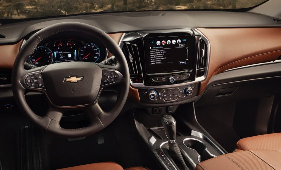 2018 Chevrolet Traverse High Country 2 560x339