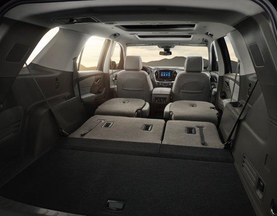 2018 Chevrolet Traverse Interior 1 560x436