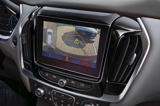 2018 Chevrolet Traverse Interior 12 560x373