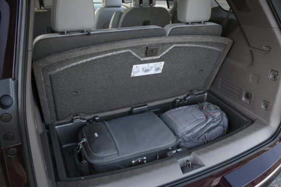 2018 Chevrolet Traverse Interior 15 560x373