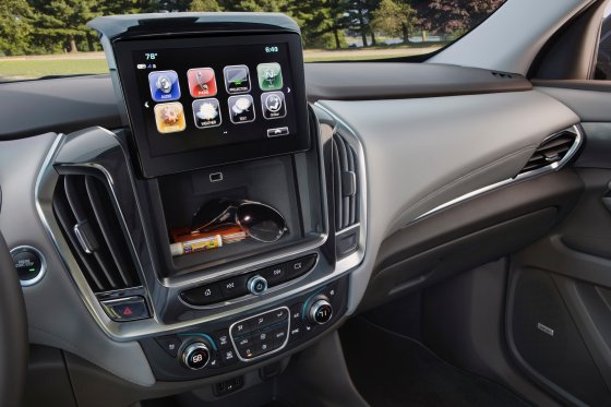 2018 Chevrolet Traverse Interior 7 560x373