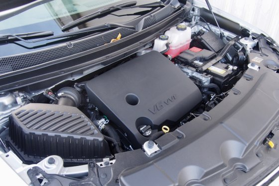 2018 Chevrolet Traverse Performance 4 560x373