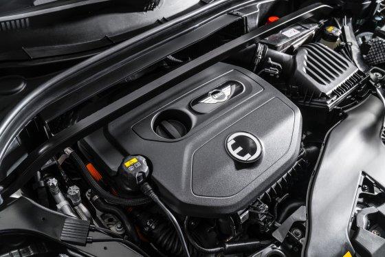 2018 Mini Cooper SE Countryman Performance 2 560x374