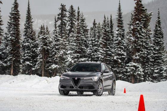Colorado Ice Driving Encounter 15 560x373