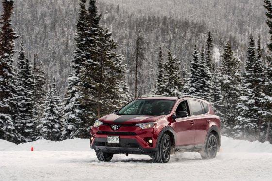Colorado Ice Driving Encounter 22 560x373