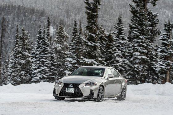 Colorado Ice Driving Encounter 24 560x373