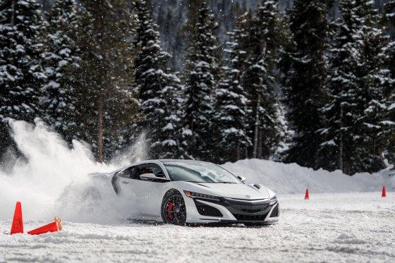 Colorado Ice Driving Encounter 30 AaronInNSX 560x373