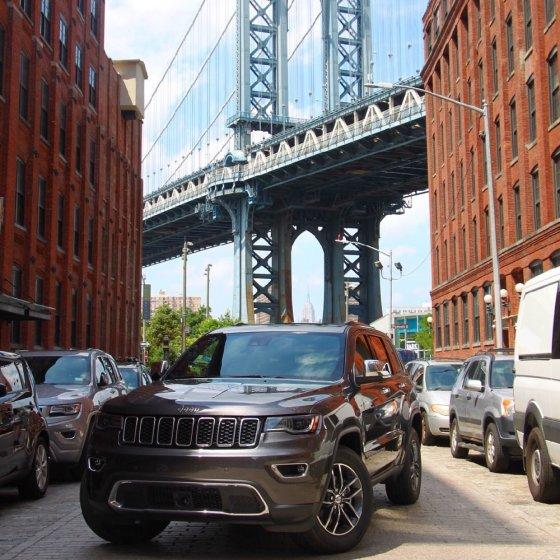 2017 Jeep Grand Cherokee Manhattan Bridge 2 560x560