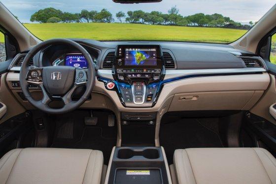 2018 Honda Odyssey Interior 1 560x373