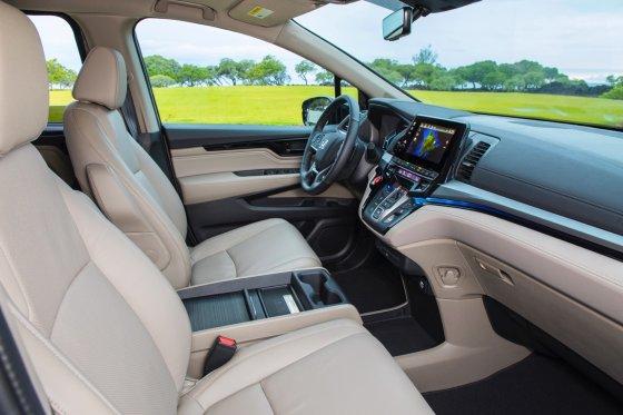 2018 Honda Odyssey Interior 2 560x373