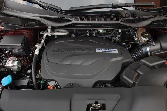 2018 Honda Odyssey Performance 2 560x373