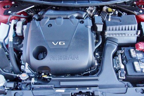 2018 Nissan Maxima Performance 2 560x373